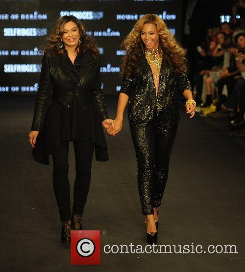 Tina Knowles, Beyonce Knowles and London Fashion Week 3