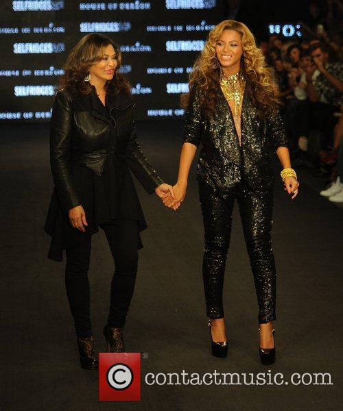 Tina Knowles, Beyonce Knowles and London Fashion Week 6