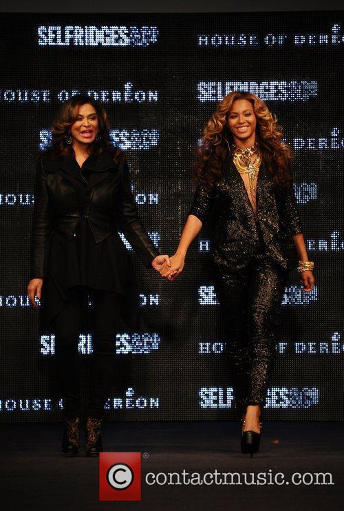 Tina Knowles, Beyonce Knowles and London Fashion Week 12