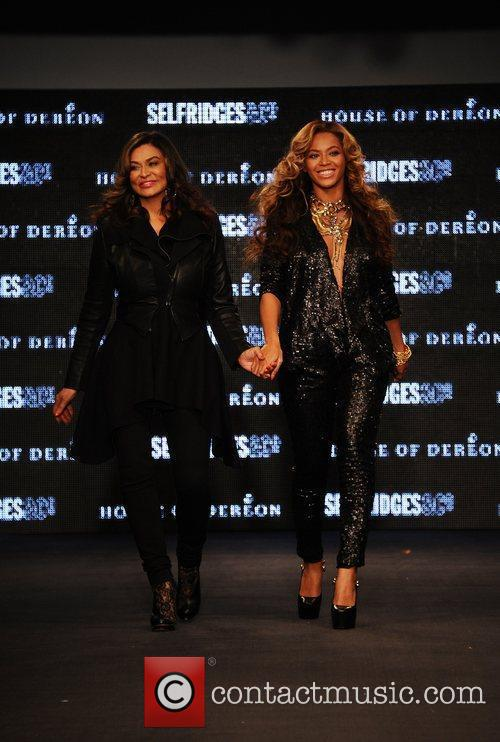 Tina Knowles, Beyonce Knowles and London Fashion Week 14