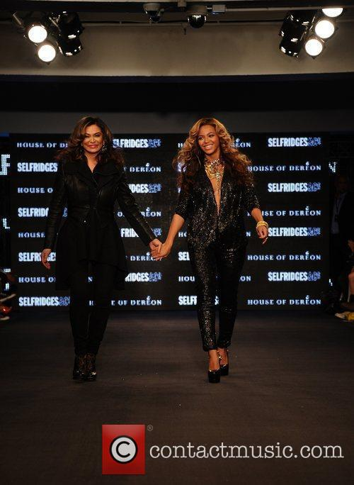 Tina Knowles, Beyonce Knowles and London Fashion Week 13