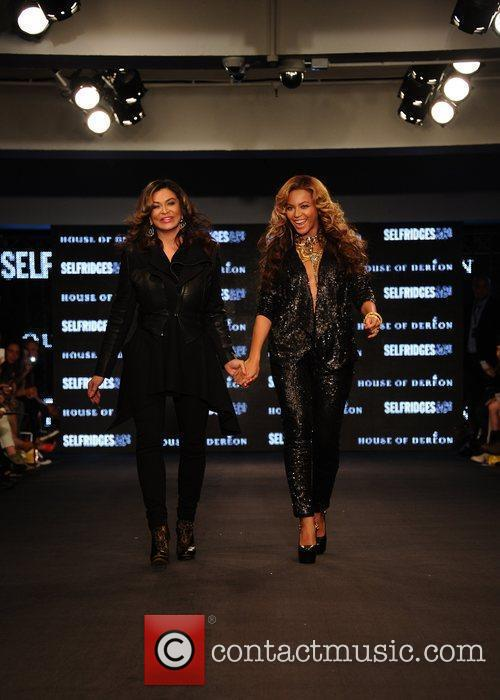 Tina Knowles, Beyonce Knowles and London Fashion Week 19