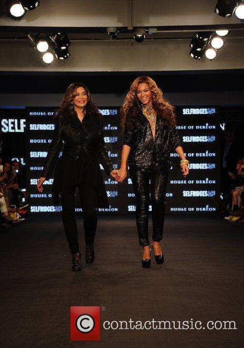 Tina Knowles, Beyonce Knowles and London Fashion Week 11