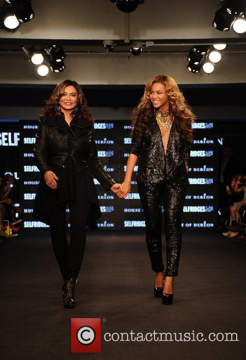Tina Knowles, Beyonce Knowles and London Fashion Week 8