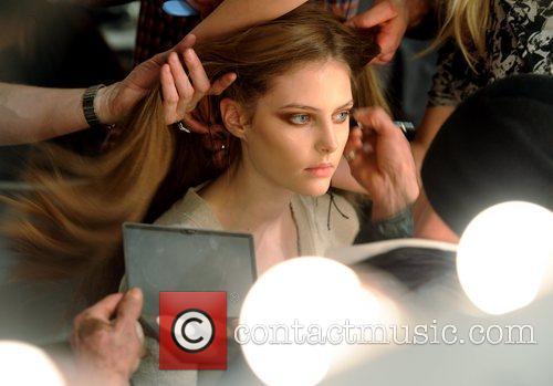 Model London Fashion Week A/W 2011 - Issa...