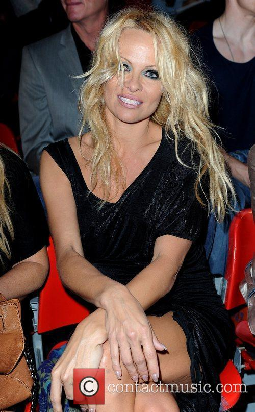 Pamela Anderson and London Fashion Week 4
