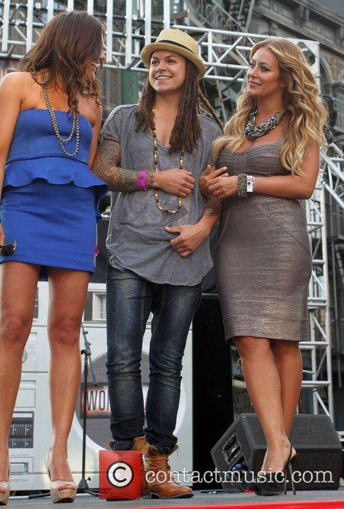 Whitney Mixter, Aubrey O'Day  Life Out Loud...