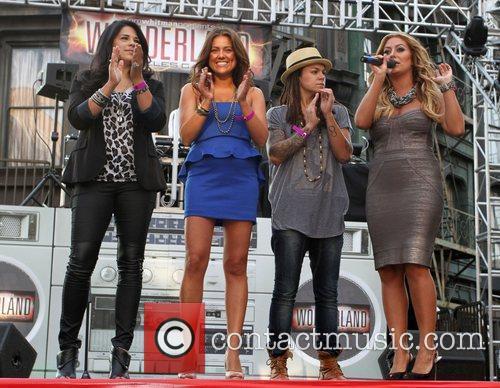 Rose Garcia, Raquel Castaneda, Whitney Mixter, Aubrey O'Day...
