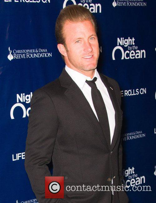 Jason Lewis and Night By The Ocean Gala 4