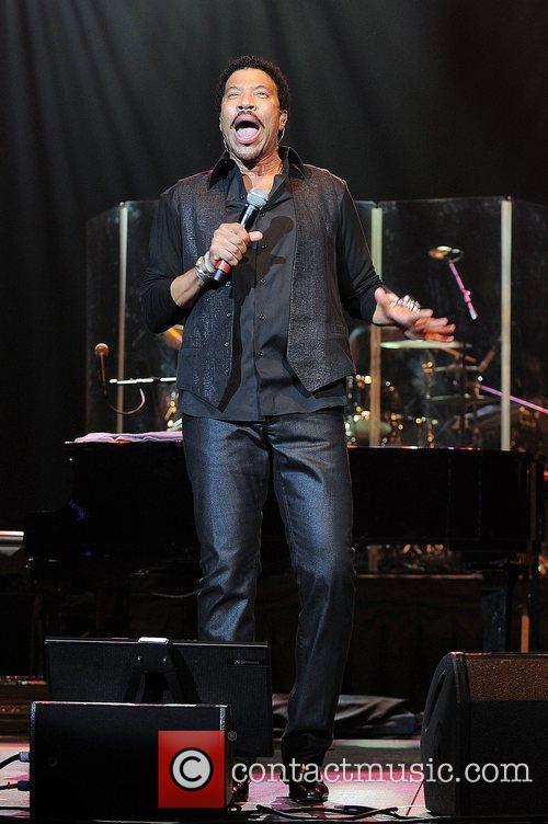Lionel Richie 24