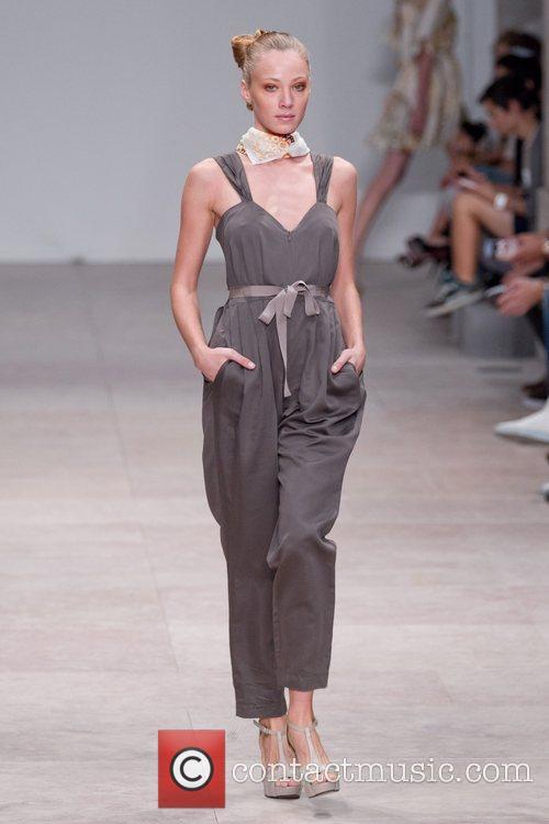 Lisbon Fashion Week Spring/Summer 2012 Ready To Wear...