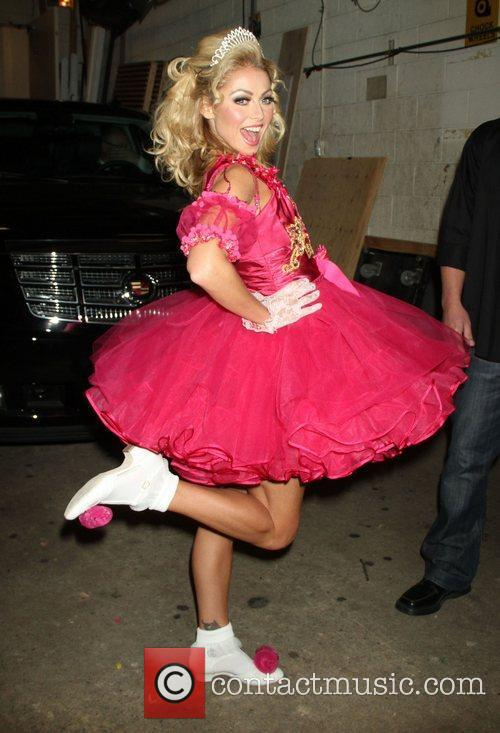 Kelly Ripa dresses up for Halloween during 'Live...