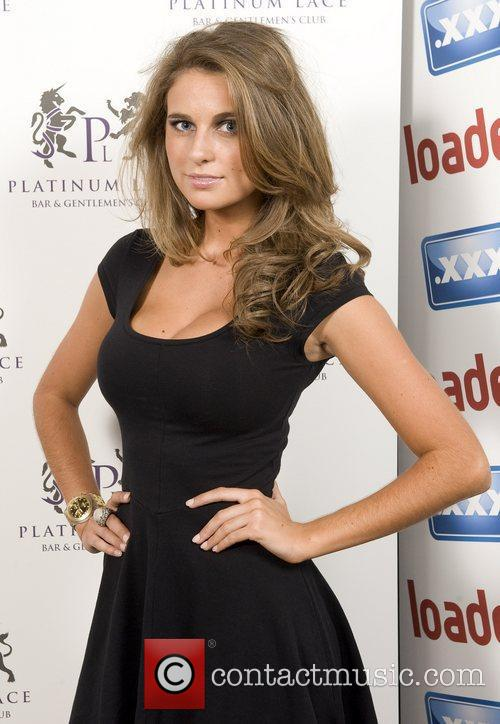 Elle basey 39 loaded magazine summer party 39 held at for Elle subscription change address