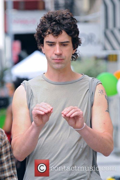 Hamish Linklater  on the set of 'Lola...