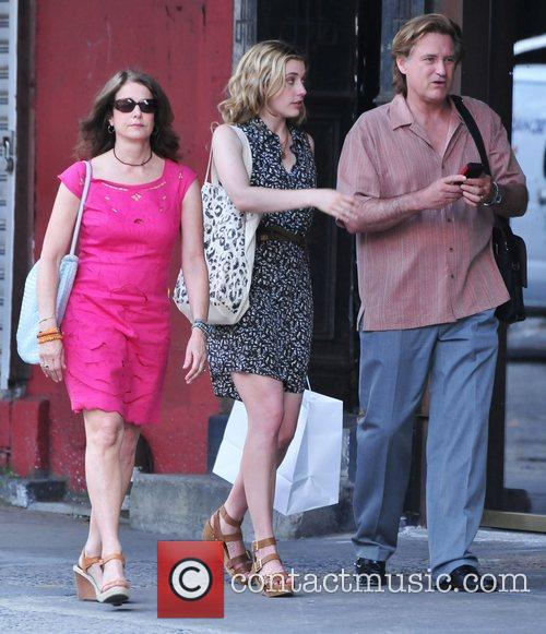 Debra Winger, Bill Pullman and Greta Gerwig 4