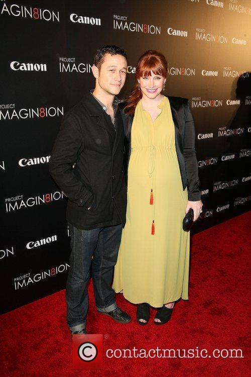 Joseph Gordon-levitt and Bryce Dallas Howard