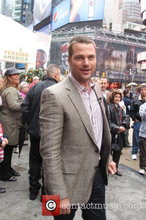 Chris O'Donnell  Feeding America fruit donation at...