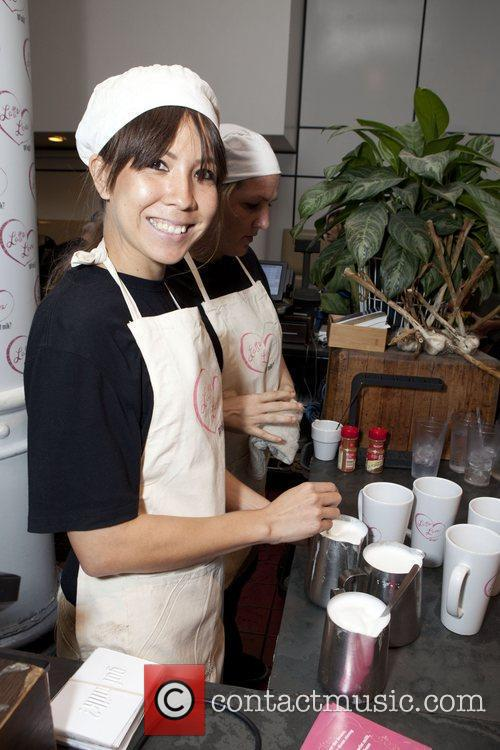 Maggie Gyllenhaal unveils her 'got milk?' ad at...