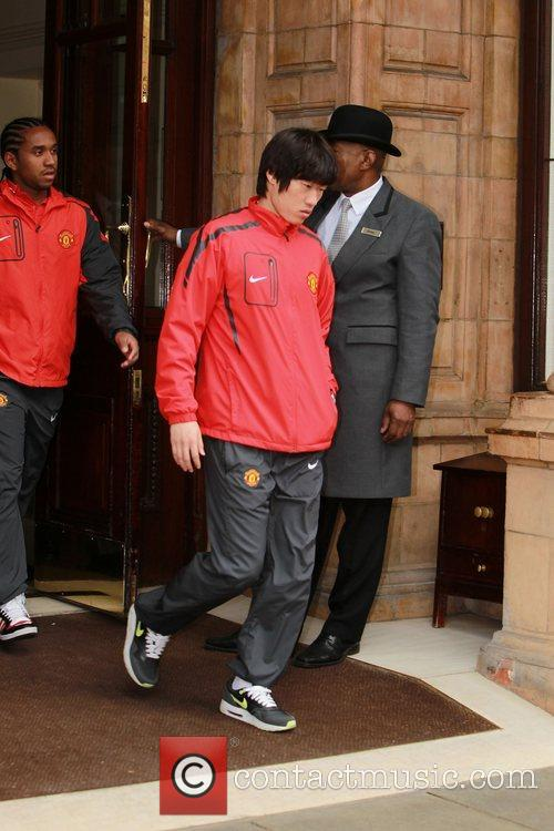 Anderson and Ji-Sung Park  leave their London...