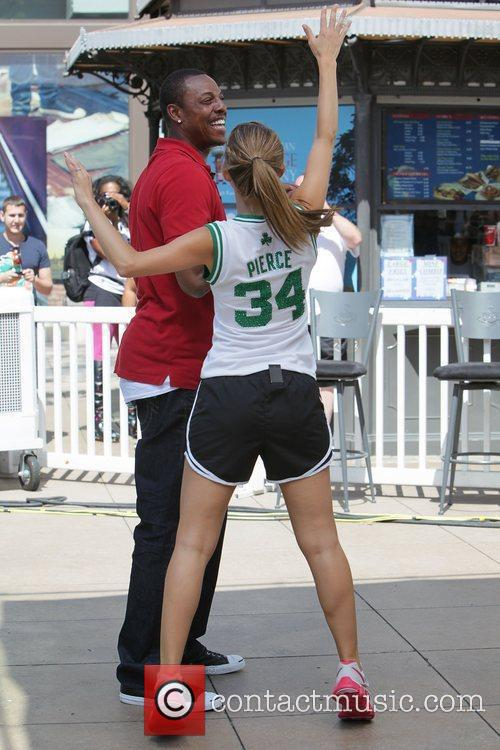Paul Pierce and Maria Menounos 15