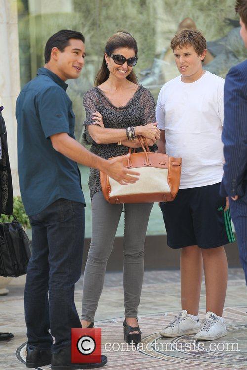 Mario Lopez and Maria Shriver 5