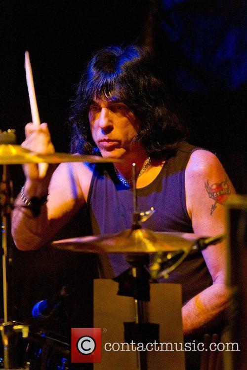 Ramones 25