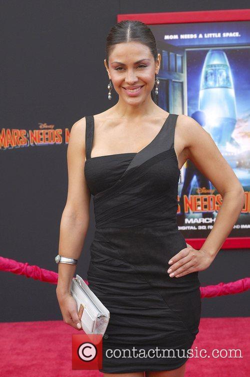 Carla Ortiz, 3