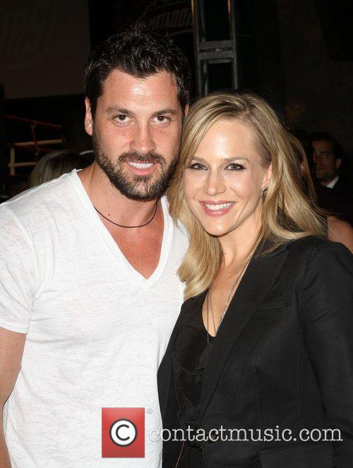 Julie Benz and Maksim Chmerkovskiy 5