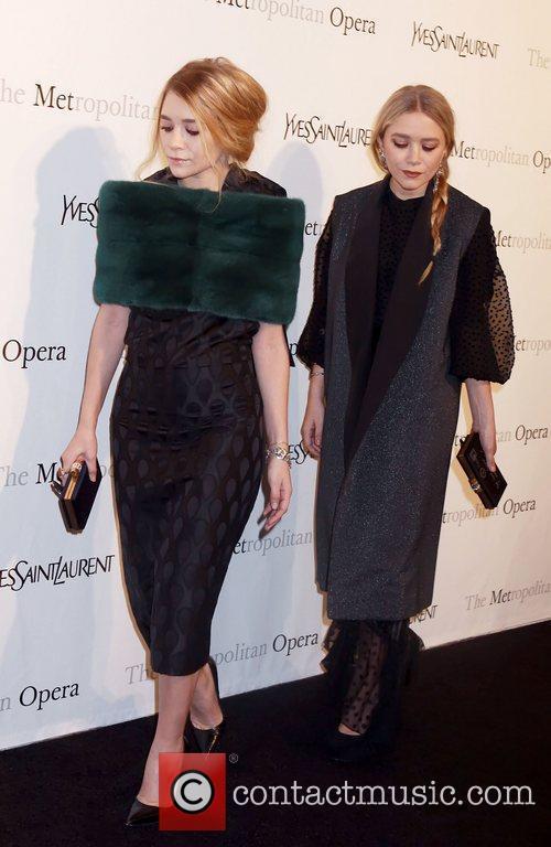 Mary Kate Olsen and Ashley Olsen 2