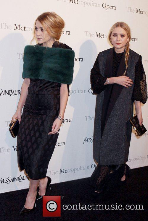 Mary Kate Olsen and Ashley Olsen 1