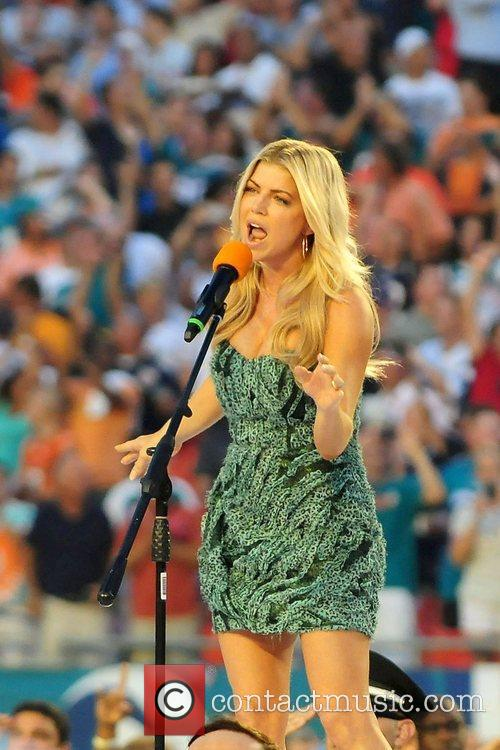 Fergie The Miami Dolphins vs The New England...