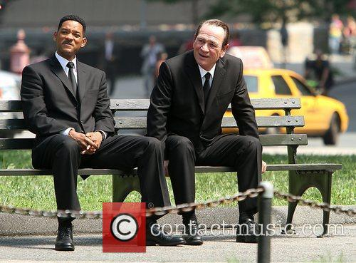 Will Smith and Tommy Lee Jones 7