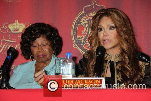 Katherine Jackson and La Toya Jackson 2