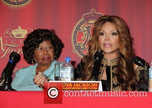 Katherine Jackson and La Toya Jackson 9