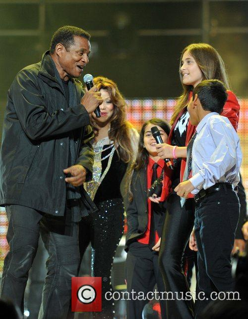 La Toya Jackson and Yolanda Adams 1