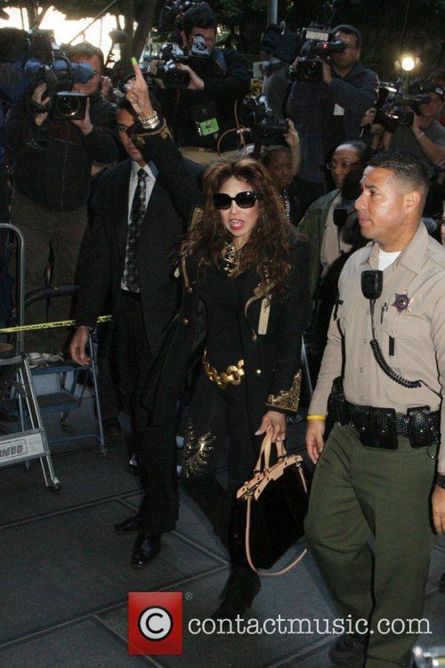 La Toya Jackson, Kathy Hilton and Rick Hilton 3