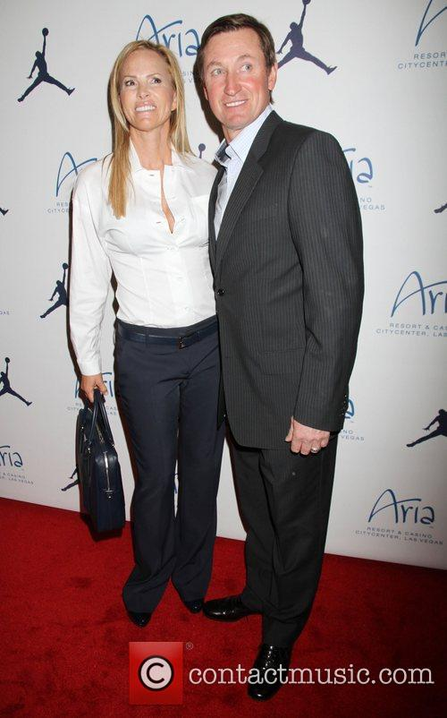 Wayne Gretzky, Janet Jones-Gretzky Michael Jordan Celebrity Invitational...