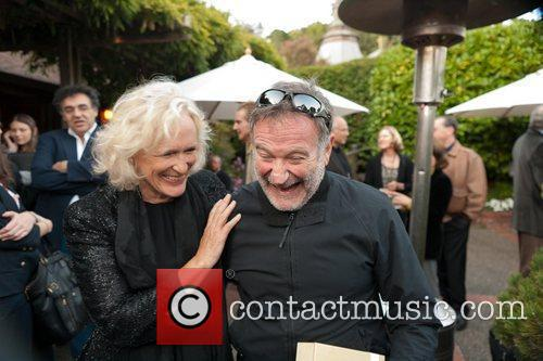 Glenn Close and Robin Williams 8