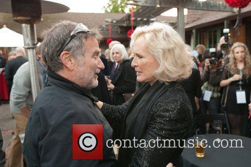 Robin Williams and Glenn Close 8