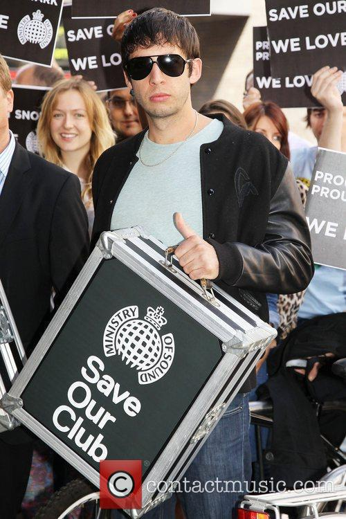 Example delivers Ministry of Sound petition