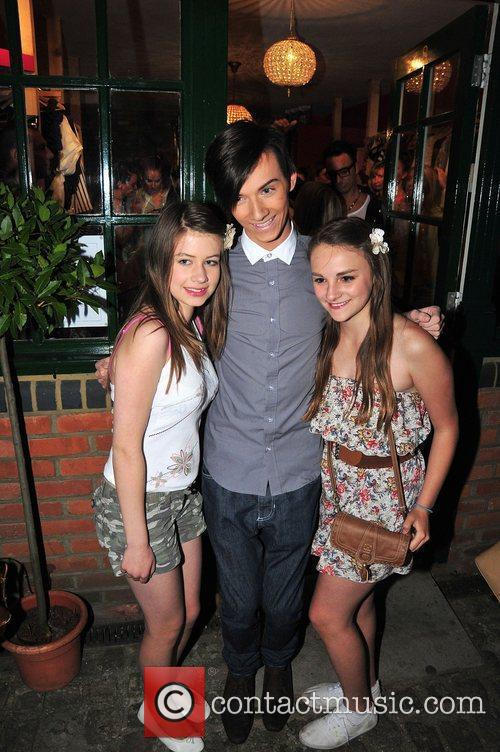Harry Derbridge and fans,  at Minnies Boutique...