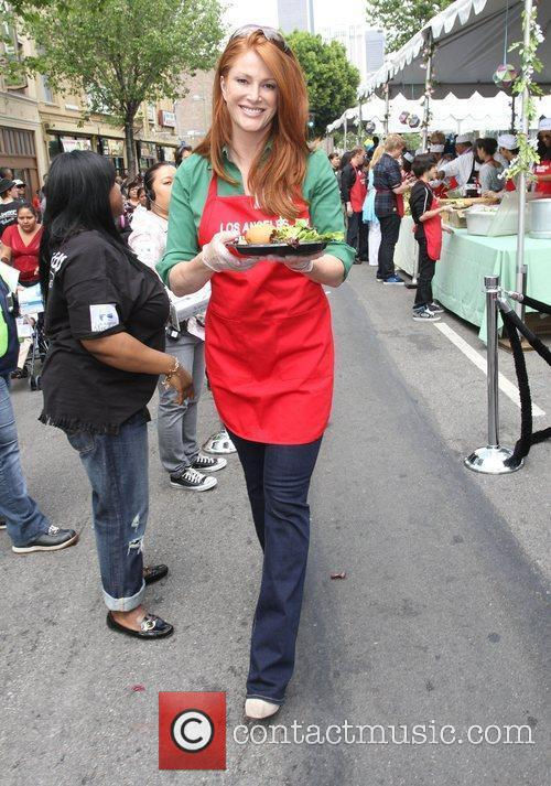 Angie Everhart 7