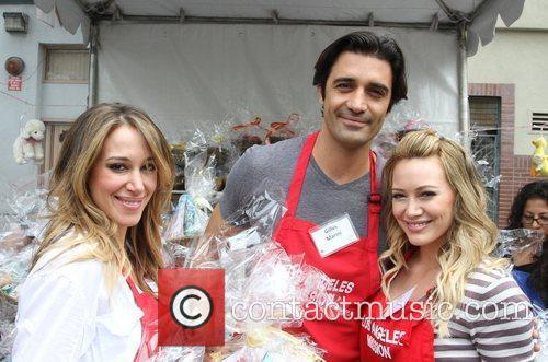 Gilles Marini, Haylie Duff and Hilary Duff 1