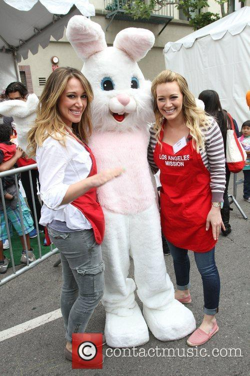 Haylie Duff and Hilary Duff 9