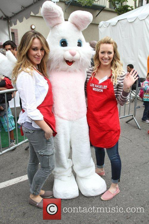 Haylie Duff and Hilary Duff 6