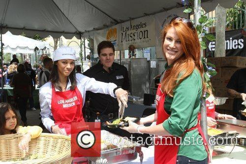 Zoe Saldana and Angie Everhart 6