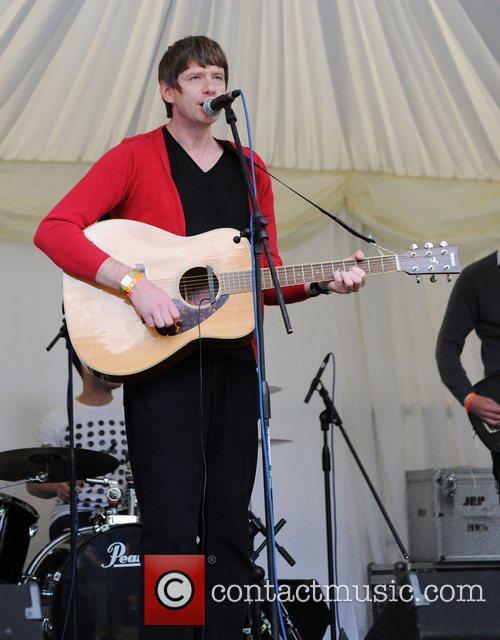 Ben Calvert Moseley Folk Festival in Moseley -...