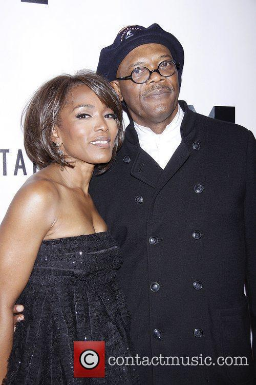Angela Bassett and Samuel L Jackson 7