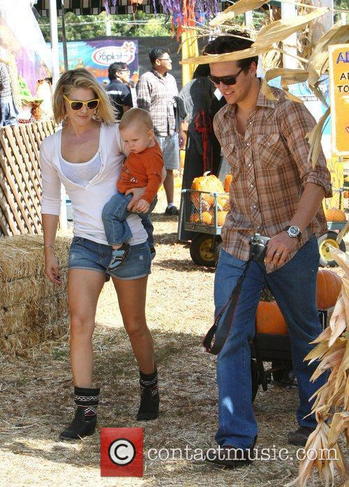 Ali Larter with husband Hayes MacArthur and their...