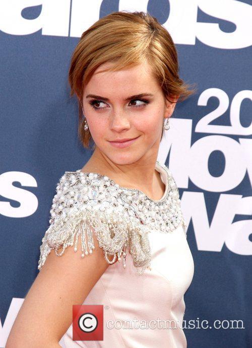 emma watson mtv movie awards hair. hair Emma Watson blows a kiss